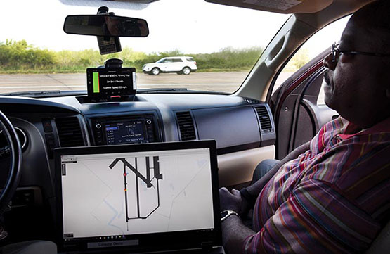 In cabin traffic monitor showing route
