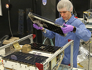 Fabricating microsatellite