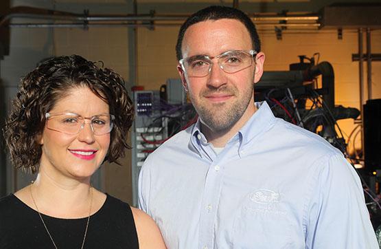 Rebecca and Robert Warren in a laboratory