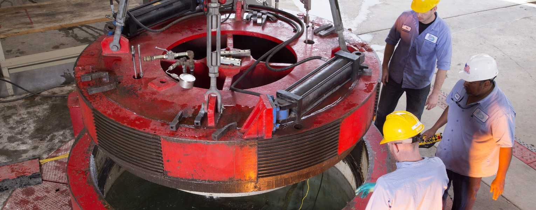 Go to Deep Ocean Pressure Simulation Testing