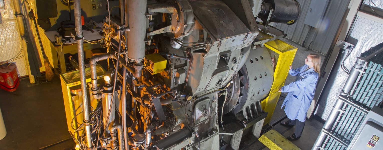Go to Locomotive Lubrication Oil Qualification
