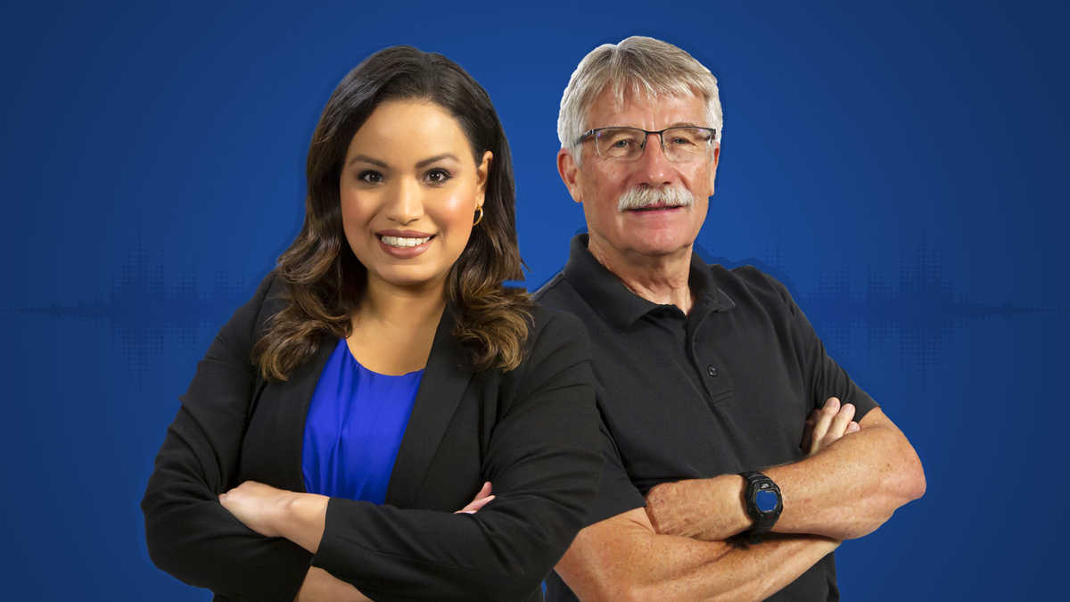 Lisa Peña and Ron Green against a solid blue background