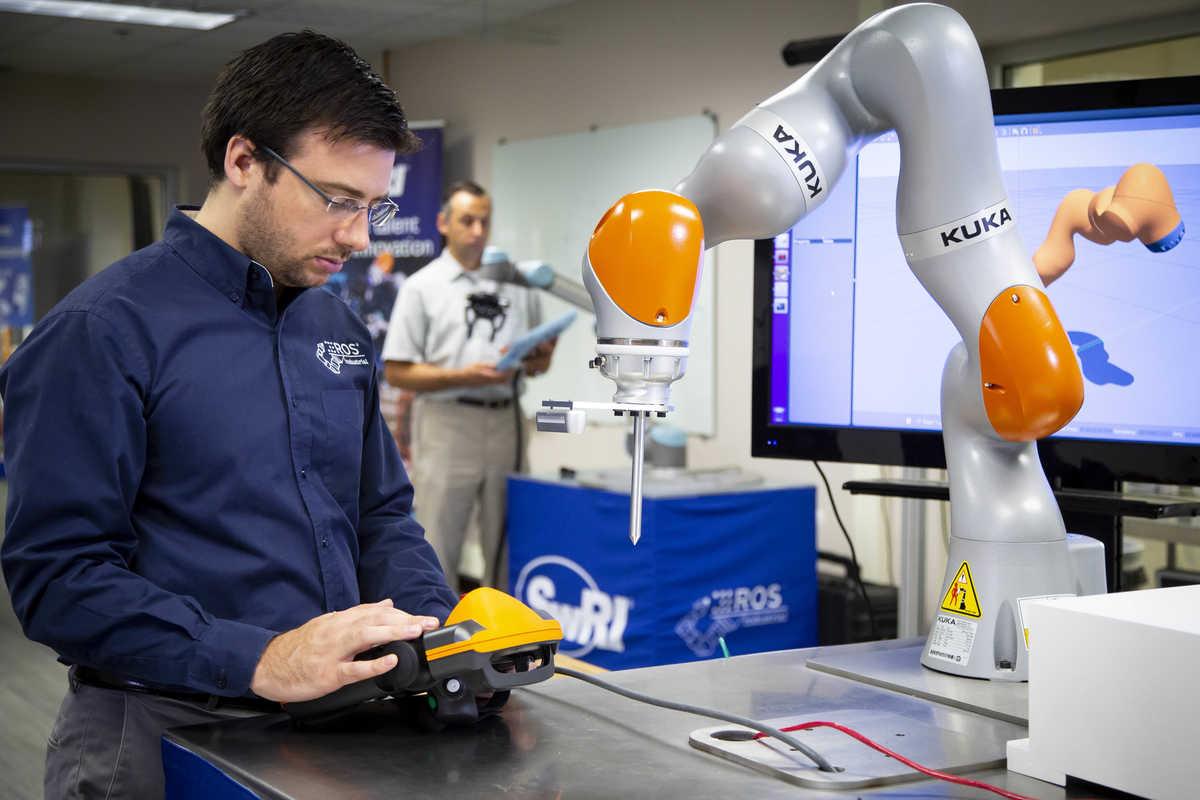 Industrial robotics arm