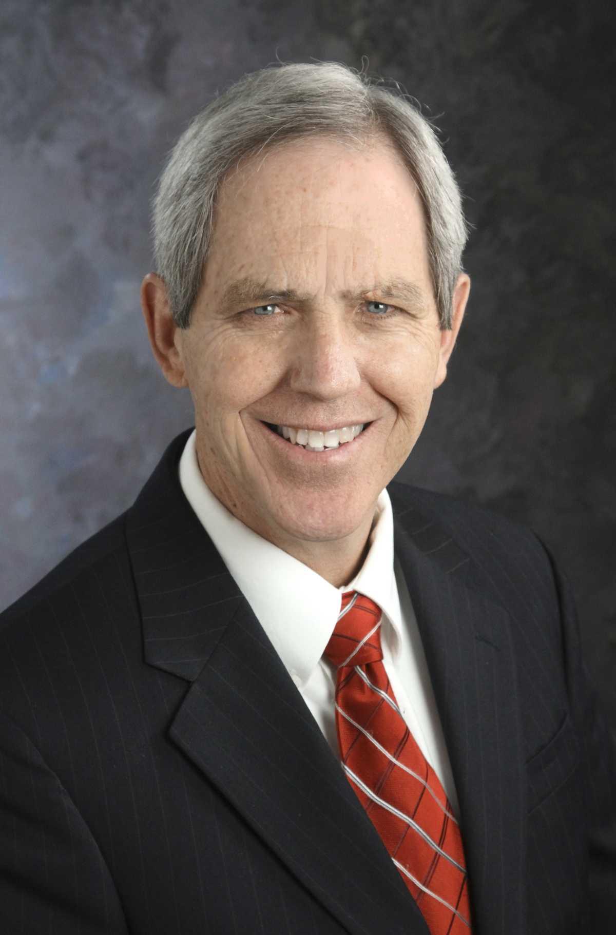 Photo of Dr. Robert L. Mason