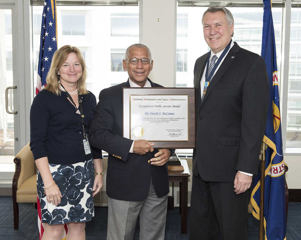 Dr. David McComas with NASA's Exceptional Public Service Medal.
