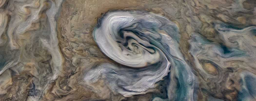 Press Release-SwRI-led Juno mission discovers shallow lightning, mushballs on Jupiter