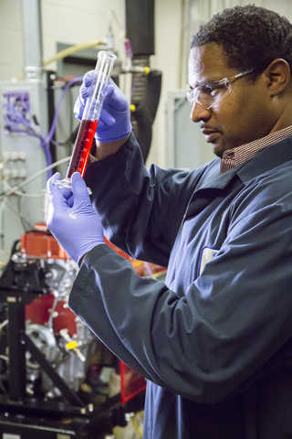 Image: SwRI automotive engineering technician