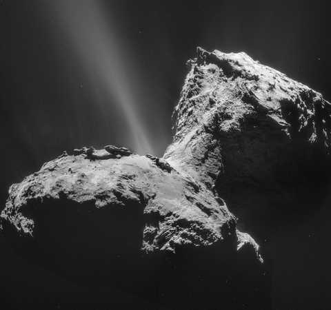 Black and white image of Comet 67P