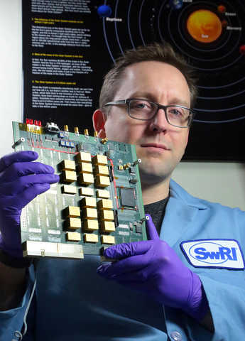 solid state recorders for space applications using flash memory systems