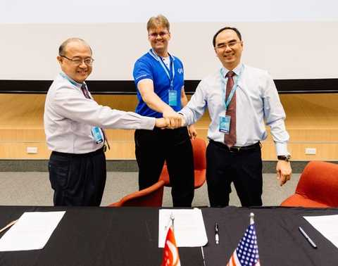 Image: Members of the new ROS-Industrial Asia (RIC-Asia) celebrate at an MOU Signing ceremony